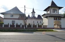 Hramul Bisericii Dealu Mare (20 iulie): Moaștele Sfântului Nectarie și ale Sfinților Epictet și Astion aduse spre cinstire