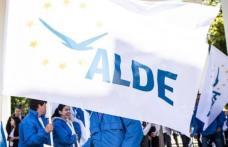 ALDE: România pare că suferă de sindromul Titanic. Pe punte se cântă și dansează, iar la bază vasul a început să ia apă!