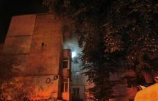 Mai multe persoane au fost evacuate după ce un apartament din Botoșani a luat foc - FOTO