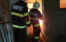 Femeie salvată de pompierii dorohoieni din incendiul care i-a cuprins casa