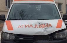 Ambulanță care transporta un pacient de la Dorohoi la Botoșani implicată într-un accident rutier