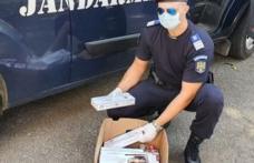 Tânără din Dorohoi sancționată de către jandarmi, în mod repetat, pentru că vindea țigări de contrabandă în Piața Centrală