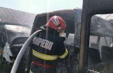 Botoșani: Incendiul de la Microbuzul a fost stins. Clădirea de birouri și 20 de microbuze au fost salvate – FOTO