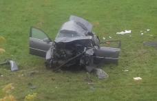 Doi tineri răniți după un accident produs între Podeni și Vlădeni - FOTO
