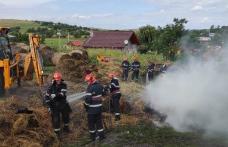 Furaje distruse de flăcări într-o gospodărie din Șendriceni. Pompierii dorohoieni au intervenit - FOTO