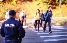 Poliţiştii, alături de elevi, la începutul noului an şcolar
