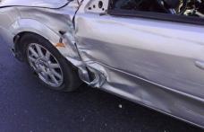 Accident produs de o șoferiță beată care încerca să-și parcheze mașina pe o stradă din Dorohoi