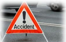Un botoșănean cu permisul anulat a luat mașina familiei și a produs un accident