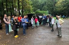 Prefectul Dan Nechifor și angajați din mai multe instituții publice au ecologizat zona pădurii Baisa - FOTO