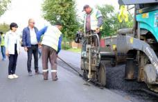 Covor asfaltic nou pe un drum județean – FOTO
