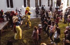 Zeci de copii s-au întâlnit cu personaje din universul Disney la Casa Municipală de Cultură Dorohoi - FOTO
