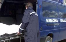 Corpul unui bărbat de 61 de ani, găsit într-un şanţ