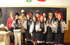 """153 de ani de la Marea Unire, sărbătoriţi la Şcoala cu clasele I-VIII """"Dimitrie Pompeiu"""" Broscăuţi"""