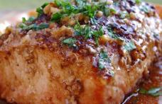 Muschiueț de porc la cuptor cu cartofi și rozmarin