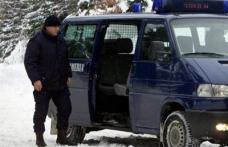 Tânără agresată în curtea liceului din orașul Săveni
