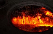 Păgubit de foc din pricina unui jar căzut din sobă