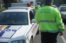 Autoturism cu serie de caroserie falsă, depistat de poliţişti