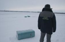 Ţigări de contrabandă transportate cu sania peste Prutul îngheţat