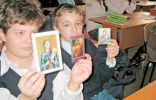 """Ce vor face copiii la clasa pregătitoare: """"exerciţii de învăţare a închinării"""""""