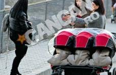 Şoferi, feriţi-vă, trec tripleţii Nicoletei Luciu! Căruciorul n-are loc pe trotuar!