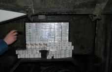 Un autocar care efectua cursa regulată Chişinău-Praga, plin cu țigări de contrabandă