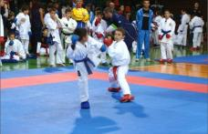 """Copii dorohoieni prezenţi la cupa de karate shotokan """"WANKAN Săcele"""""""