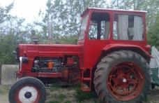 Autoturism avariat de un tractorist neatent