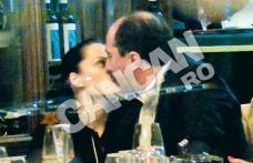 Romică Ţociu nu se mai fereşte de lume! Îşi sărută cu foc amanta la restaurant!