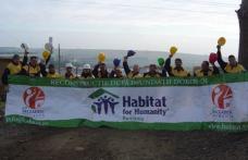Voluntari Rottaprint costruiesc case pentru sinistratii din Dorohoi