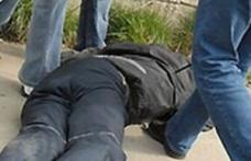 Agent de pază agresat de doi bărbați puși pe ceartă