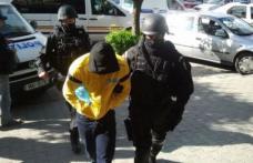 Opt persoane implicate în trafic de droguri au fost arestate la Suceava