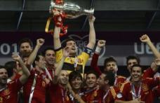 Spania este prima echipă care îşi apără titlul european, după 4-0 cu Italia în finală