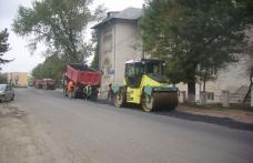 A început asfaltarea Bulevardului Victoriei din Dorohoi