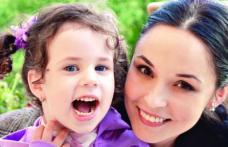 Fetiţa Andreei Marin merge deja la şcoală deşi nu a împlinit încă 5 ani
