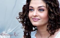 Acuzată de trădare dintr-un motiv penibil. Cea mai frumoasă femeie a Indiei plătește prețul celebrității
