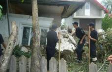 Jandarmii, din nou alături de familiile din Dorohoi afectate de inundaţiile din 28-30 iunie 2010
