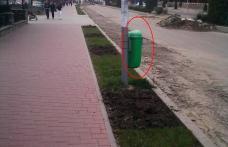 Coşuri de gunoi pozitionate aiurea pe Bulevardul Victoriei