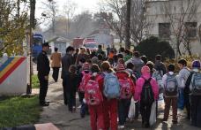 Copii in vizita la pompieri