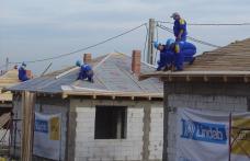 Dorohoi: Opt case acoperite în două zile de Lindab