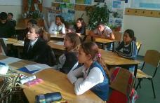 """Scoala nr.2: """"Pace şi nonviolenţă pentru copiii lumii"""""""