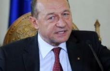 Opinii: Basescu, izolat si parasit de toata lumea