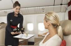 Insotitor de zbor - cel mai dificil job la care viseaza toata lumea