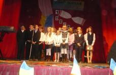 Spectacol folcloric organizat de Grupul Scolar Al.Vlahuta Sendriceni