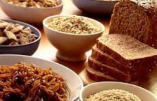Alimente care te ajuta sa dormi si alimente care te tin treaz