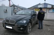 BMW X6 furat din Italia, descoperit la Stânca-Costeşti