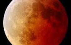 Spectacolul naturii: Eclipsa totala de Luna
