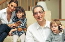 Situație incredibilă după divorțul de Andreea Berecleanu! Andrei Zaharescu a rămas cu copiii și… cu soacra
