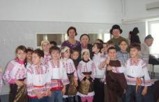 Sc. nr.7 Dorohoi: Colindăm pe români