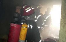 Casă aprinsă de un coş de fum deteriorat