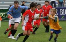 Rugby practicat de copii la Dorohoi ! Sunteți harnici și voinici ? Jucați Rugby, cât de mici !